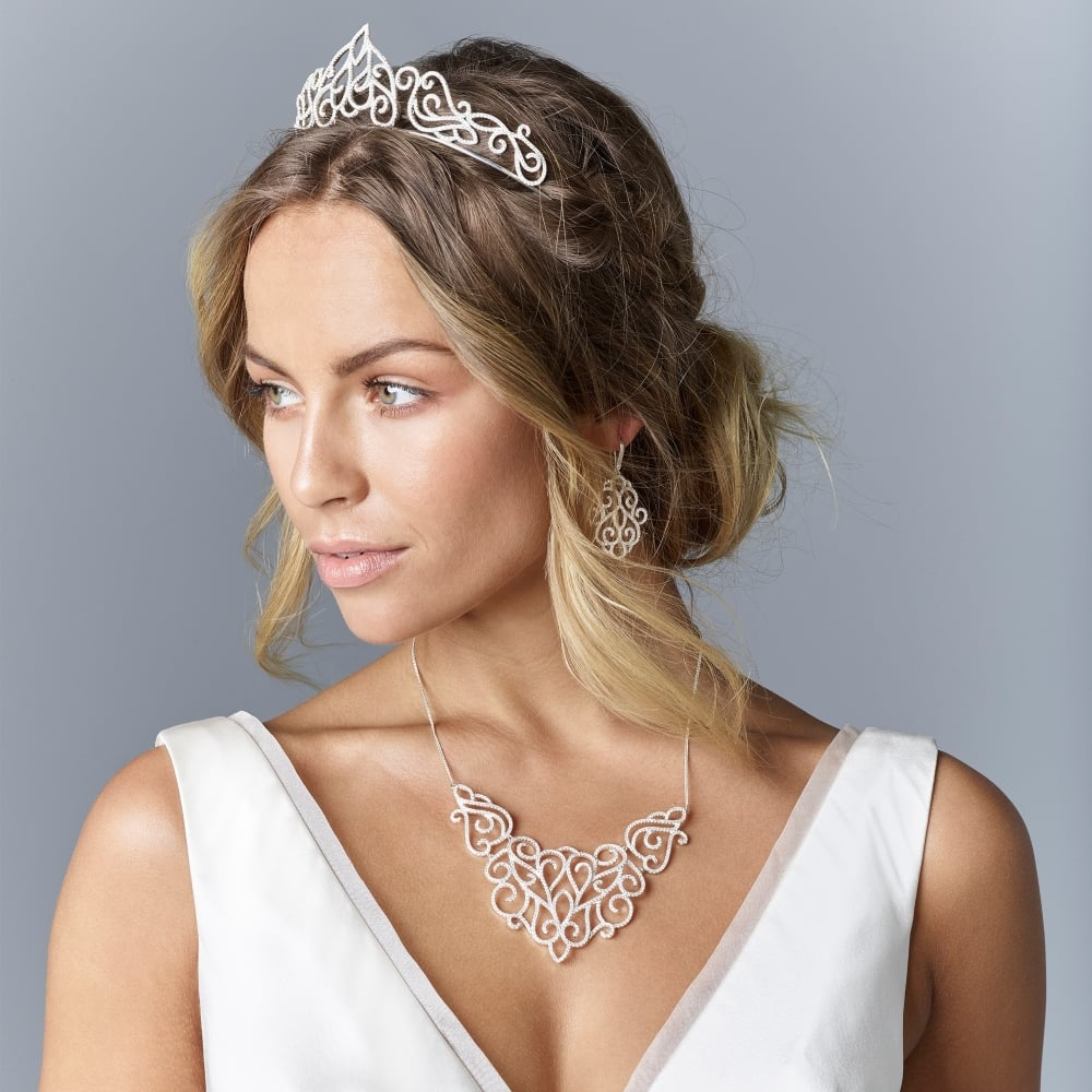 A Tiara That Will Add Some Height Yes S Right This Is Your License To Fully Embrace An Unapologetically Glamourous Princess Style Headpiece