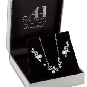 Alan Hannah Devoted Designer Crystal & Pearl Vine Jewellery Set In A Gift Box