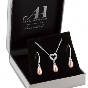 Designer pearl heart jewellery set in a gift box