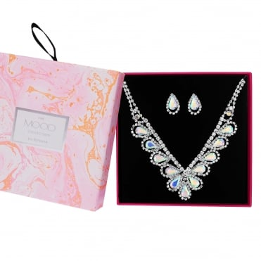 Crystal peardrop jewellery set in a gift box