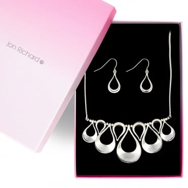 Graduated polished silver teardrop necklace and earring set