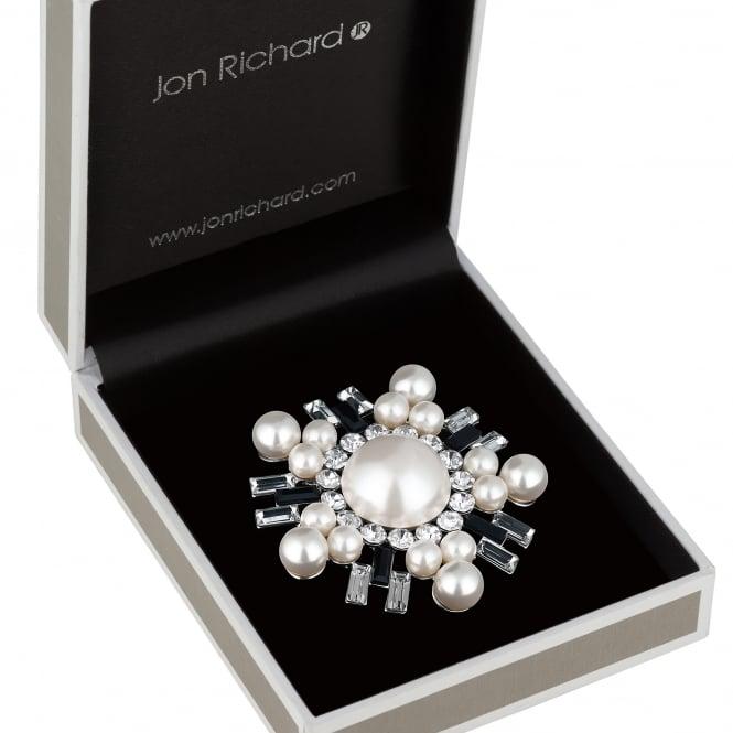 Monochrome pearl brooch
