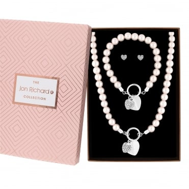 Pearl heart jewellery set in a gift box