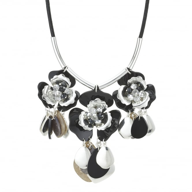 Shell charm flower necklace